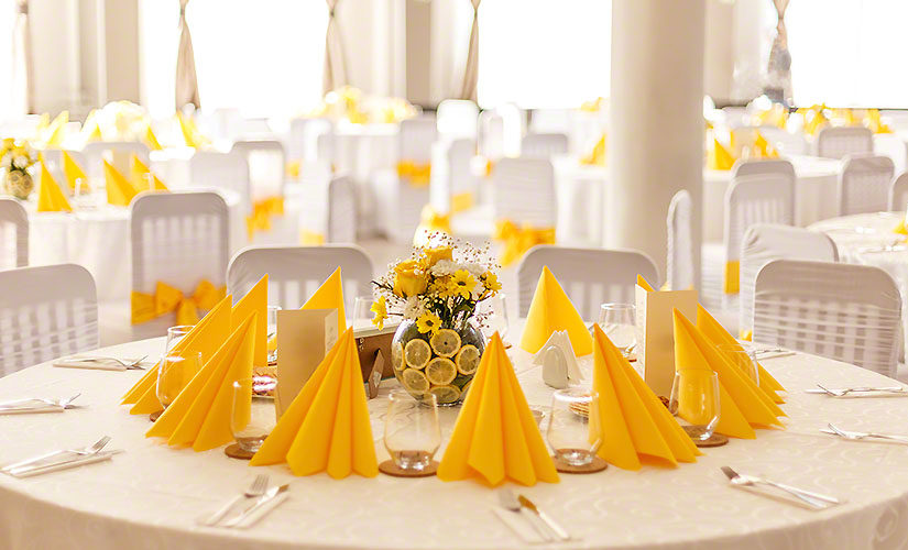 How to Choose a Wedding Tablecloth